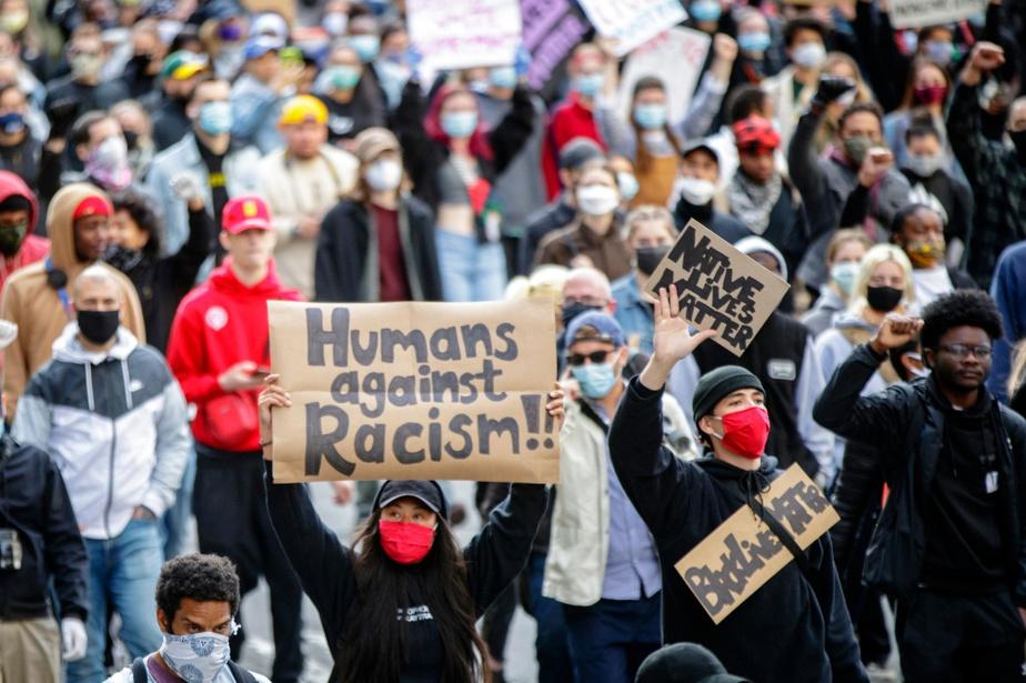 Lutte contre le racisme: une politique nationale à nouveau réclamée