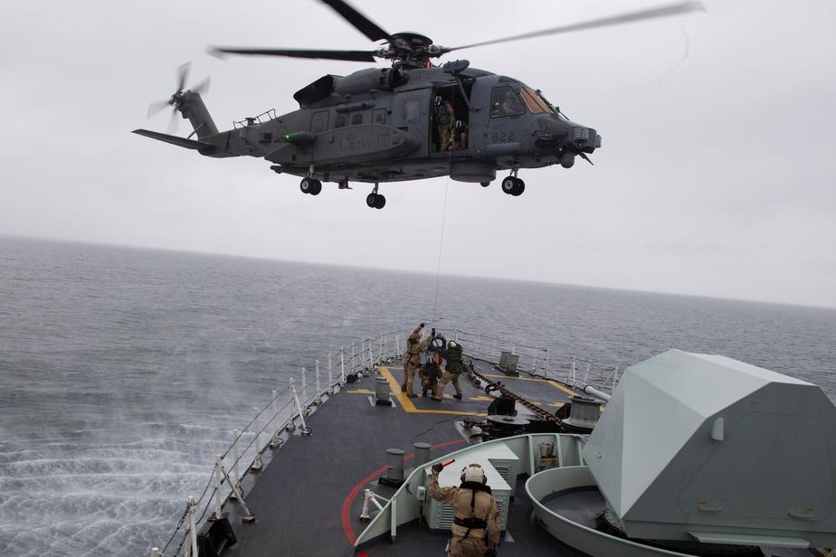 Accident en Méditerranée: l'hélicoptère militaire n'a pas réagi comme prévu
