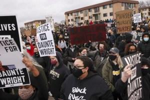Minneapolis | La mort d'un jeune homme noir aux mains de la police ravive les tensions