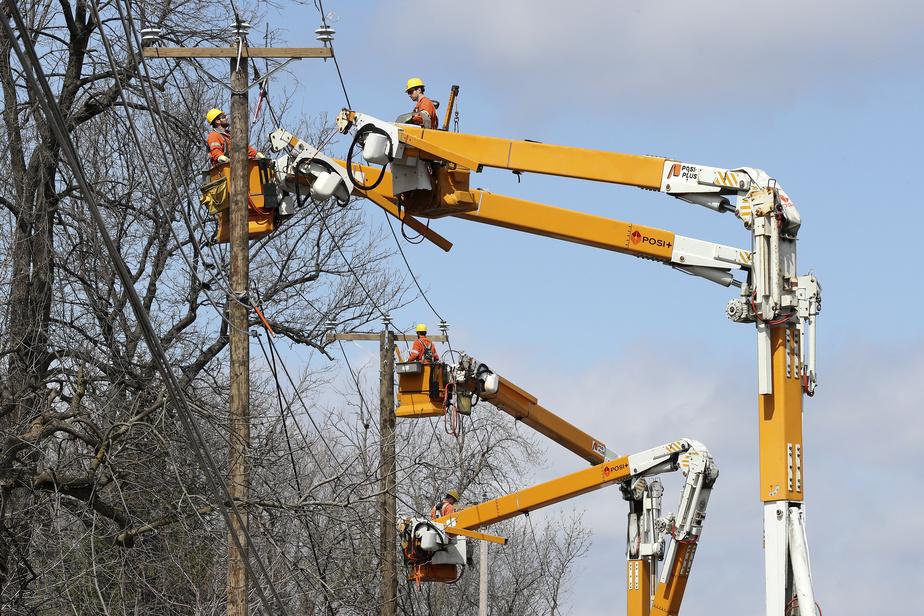 Isaias cause des milliers de pannes d'électricité au Québec