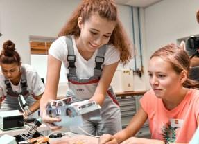 Mädchen für Technik-Camp 2019: Girl Power bei Audi in Ingolstadt