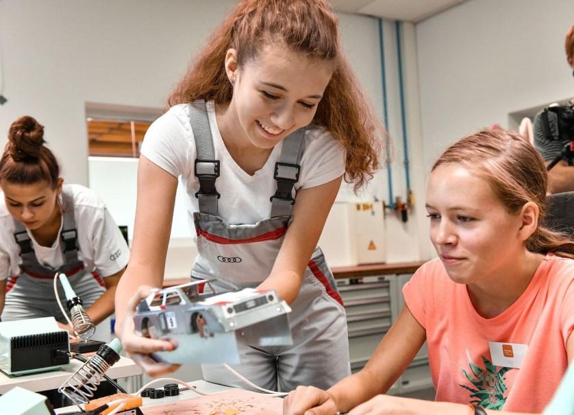 Mädchen für Technik Camp