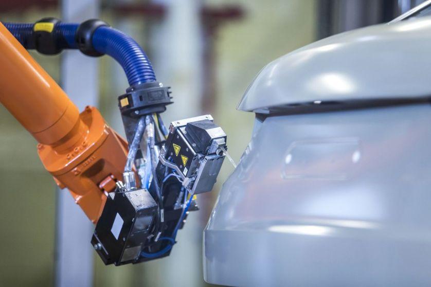 Audi erprobt neues Abdichtverfahren in der Lackiererei