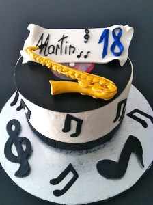 Torte-Saxophon