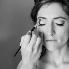 Bride gets ready at Marriott Grand Hotel