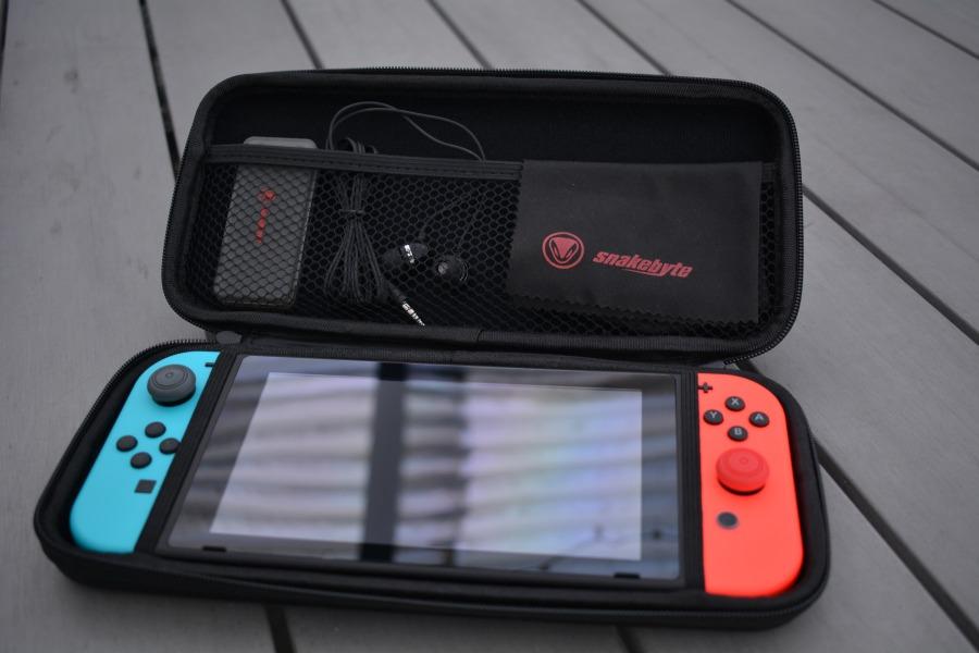 Snakebyte Nintendo Switch Starter:Kit