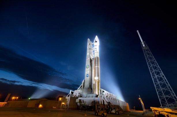 altas-5-rocket-radiation-belt-storm-probes-pad