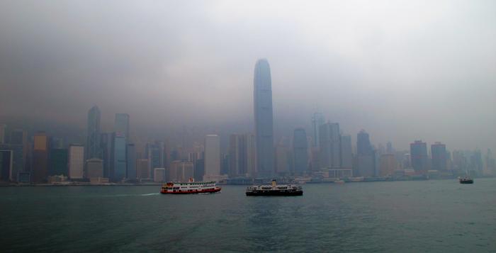 Hong-Kong-skyline-on-a-foggy-day