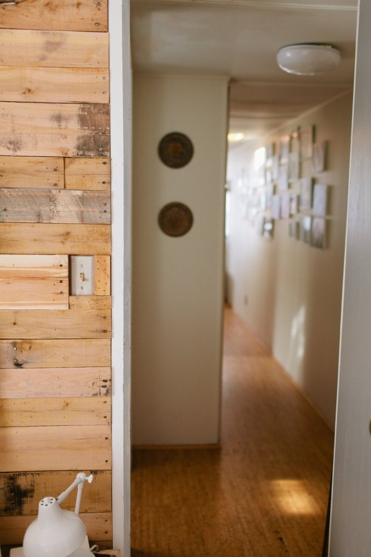 Modern Wood Wall In Mobile Home: Modern Wood Wall In Mobile Home