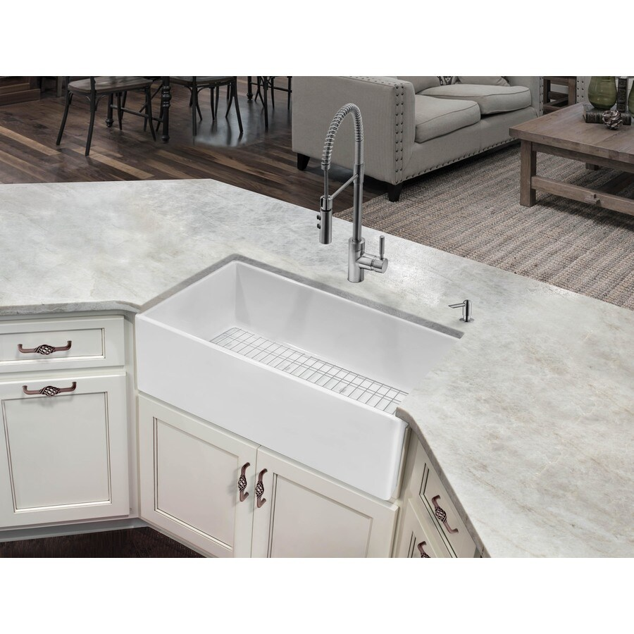superior sinks farmhouse apron front 33 in x 18 in white single bowl kitchen sink lowes com
