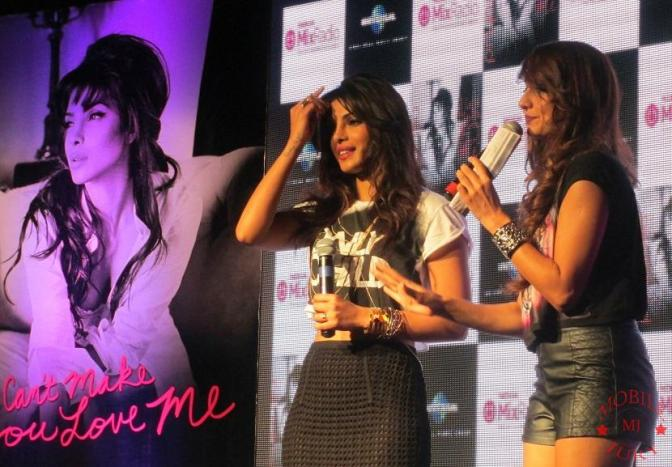 Priyanka Chopra with VJ Anusha Dandekar- Mobile Jury
