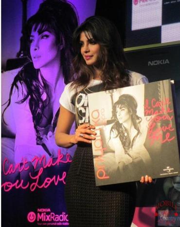 Priyanka launches I cant make you love me in Mumbai- Mobile Jury