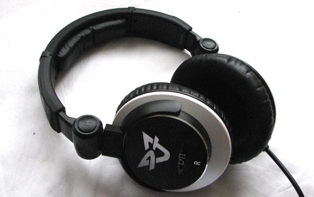 ultrasone-4 REVIEW - Ultrasone DJ1 S-Logic Headphones