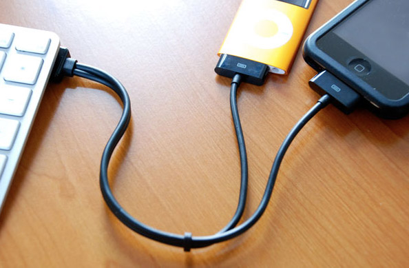 dual-link CableJive duaLink sync cable for iPod, iPhone doubles the fun