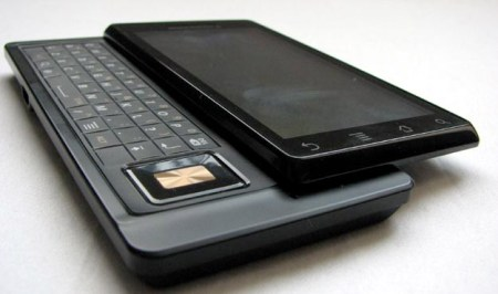 motorola-milestone-tel-3 Video Review: Motorola Milestone Android phone from Telus Mobility