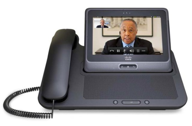 cisco-cius-docked Cisco unveils Cius Android business tablet with front-facing camera