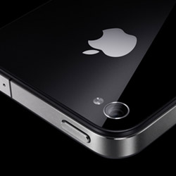 iphone4-200  Apple iPhone 4 still not recommended by Consumer Reports