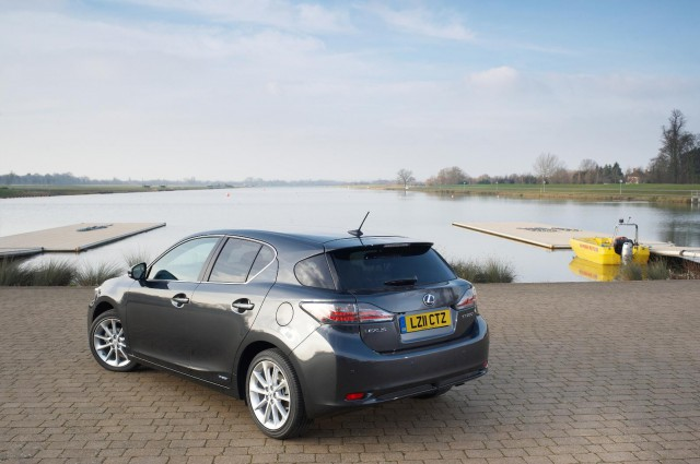 63388-a-lex-640x425 Lexus CT 200h Hybrid Brings Down the Lexus Scale