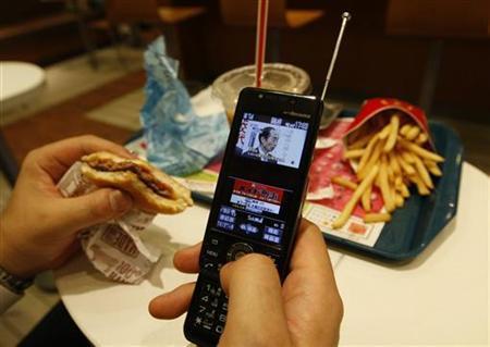 socialtv Social TV Trend Hits Britain, U.S.