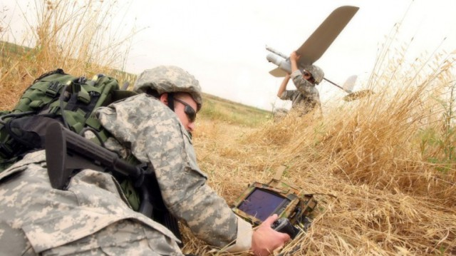 elbit-forward-ground-control-station-fgcs-skylark-le-man-packable-uas-9-640x359 Skylark UAV would destroy the AR Drone at the park