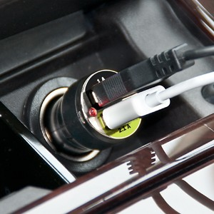 untitled-4 Brackerton dual USB car charger is tablet-friendly too