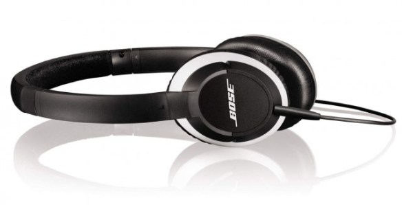 111012-bose2-640x327  Bose OE2 and OE2i on-ear headphones made for iPhone users