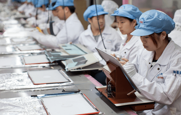 apple-labor-practices-bad Apple Ignoring Labor Abuses In Supplier Factories, Says Former Executives