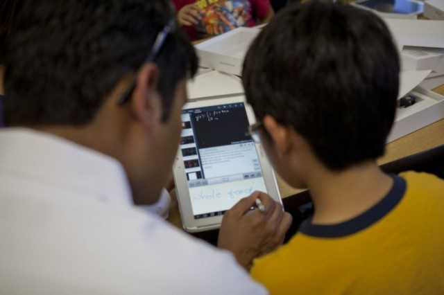 khan_academy_samsung-640x426 Khan Academy and Samsung Bringing Tablets into Select California Schools