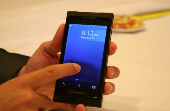 blackberry RIM's Blackberry 10 OS arrives on January 30th: is it too little, too late?