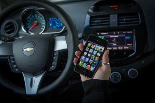 """siri Siri """"Eyes Free"""" Coming to Chevy Sonic and Spark Next Year"""