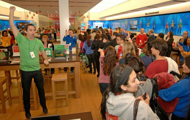 wpid-MicrosoftStore-TysonsCorner-640x403 Microsoft To Open More Retail Stores in 2013