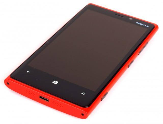 highres-nokia-lumia-920-red-2_13548743951-640x489 Nokia Lumia 920 Service Manual Leaked