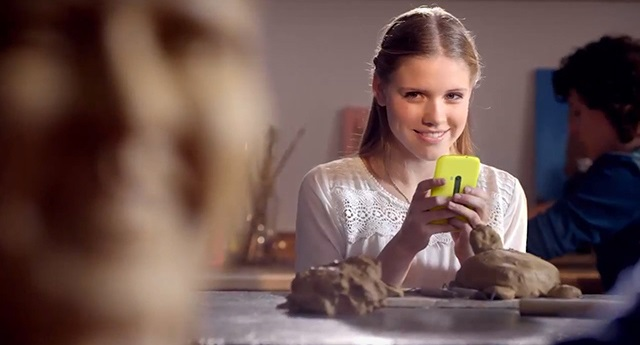 mystery-nokia Mystery Nokia Lumia Handset Appears in Dutch TV Commercial
