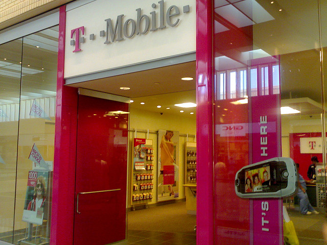 T-Mobile T-Mobile Drops Cellphone Contracts