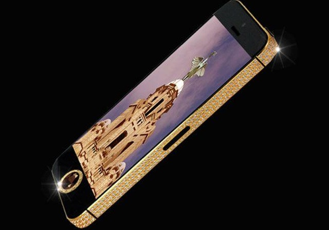 iphone-bling Custom Diamond Encrusted iPhone 5 Valued at Around $15 Million