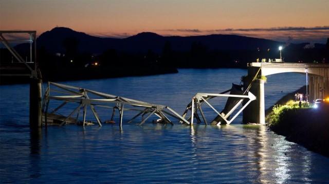 washington-bridge-collapse-640x359 Bridge in Washington State Completely Collapses, Google Maps Already Updated