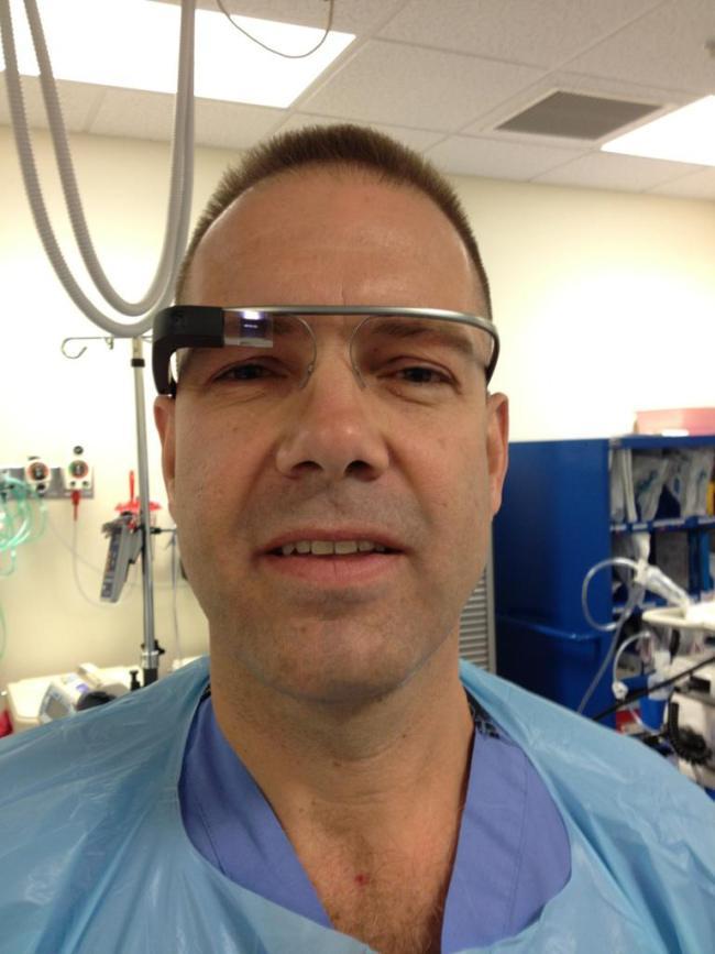 google-glass-surgery Google Glass-Equipped Surgery (Video)