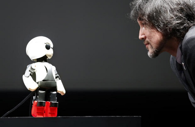 kirobo-talking-robot Kirobo: World's First Talking Robot-Astronaut (Video)