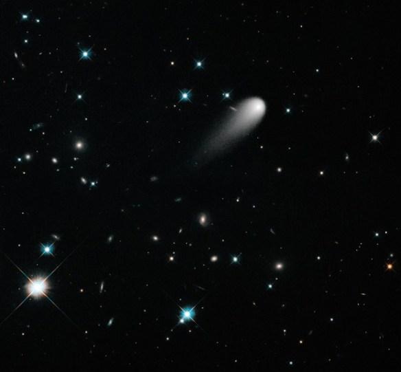 130726-comet-640x593 Hubble Captures Stunning Photo of Comet ISON