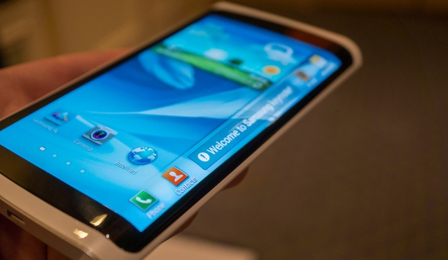 samsung-curved Samsung Smartphone With Curved Display Coming In October (Video)
