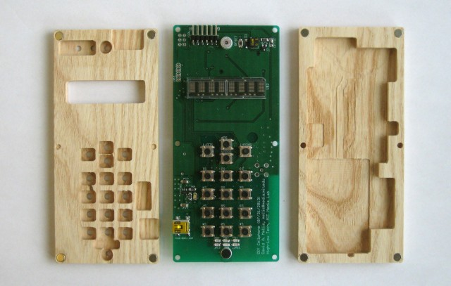 131128-diy-640x407 Arduino Co-Creator Releases Plans for $200 DIY Mobile Phone