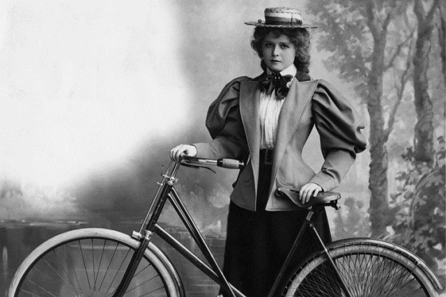 bicycle-face-19th-century Bicycle Face: The Biggest Health Hazard For 19th Century Women Cyclists