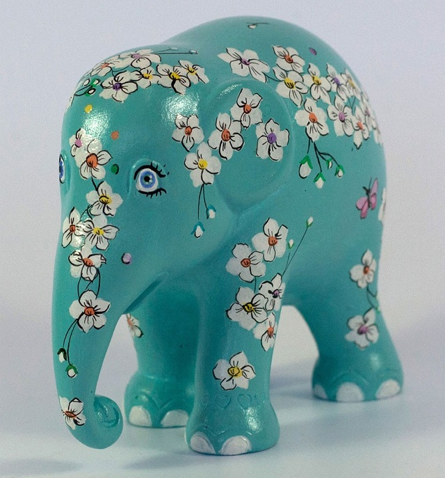 the-flower-in-the-the-mind_rep_nawarat-rattanawan_hk2014_high_fl1 Hellaphunt: An Elephant Designed By Ricky Gervais