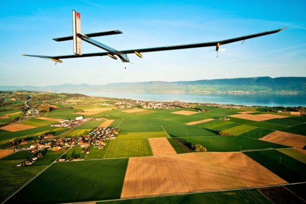 solarplane3-640x426 Solar Impulse, World's First Solar Airplane, Breaking Record By Flying Around the World Without Any Fuel (VIDEO)