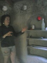 Claudine explaining creativity In cob architecture. Very knowledgeable. www.cruzincob.com