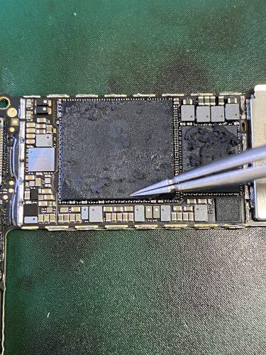 iPhone SE 第2世代 電源が入らない 基板修理 データ復旧