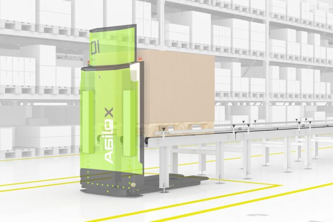 Agilox Robot and conveyor