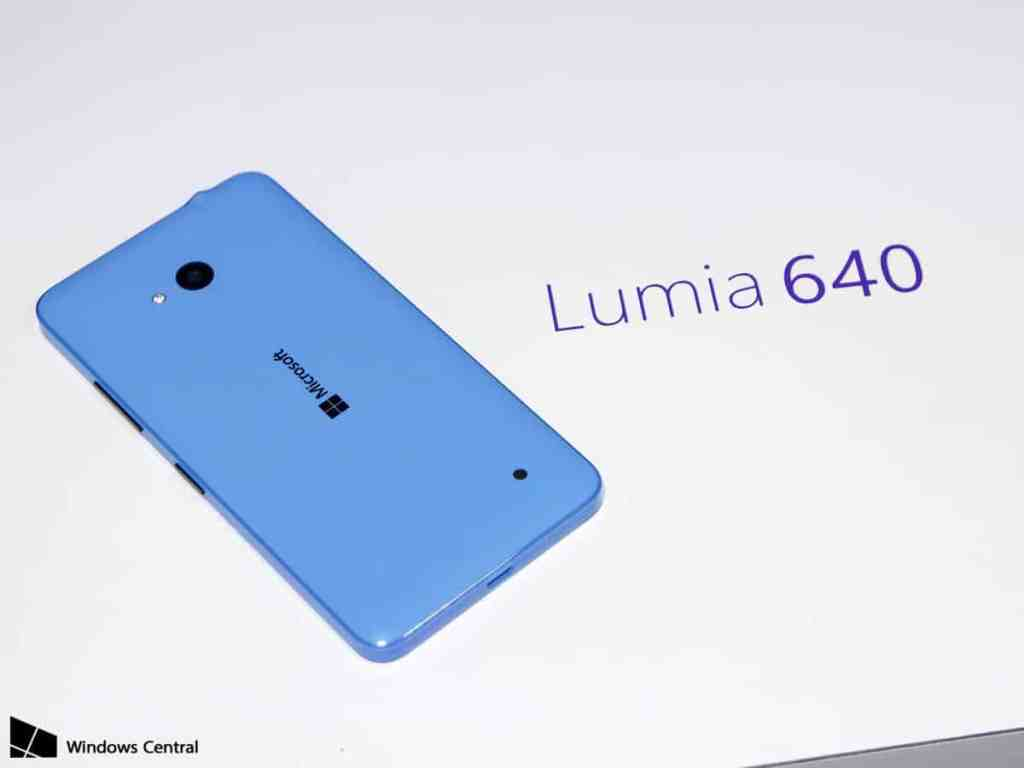 lumia-640-name-rear