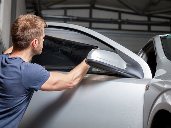 The Benefits of Mobile Window Tint in Fayetteville, Arkansas