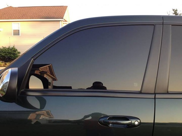 Best Time of Year for Mobile Window Tinting in Pontiac, Michigan